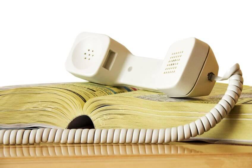 método antigo de pesquisa de números de telefone em listas telefônicas